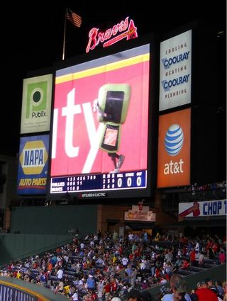 atlanta braves turner field tool race two bit victory